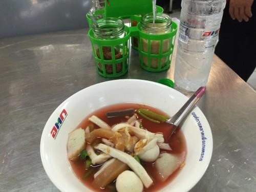 image142-500x375 バンコク タワンの魚すり身麺