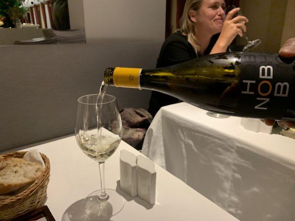 6277FB99-F699-4581-AE5D-B279D4769AE1-600x450 プノンペン Khema Pasteurのワイン&チーズセット