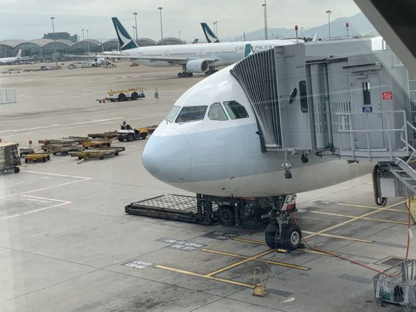 4B02C3D2-5ADF-4BCB-98E5-F9FF34BB9D21-600x450 5月14日バンコク発香港行きキャセイパシフィック616便エコノミークラス