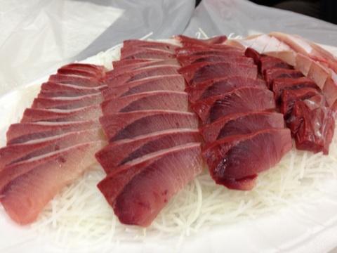blog_import_54114f2aa6063 ソウル ノリャンジン魚市場でブリを食らう