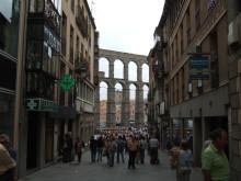 blog_import_5411524b79db5 スペイン・セゴビア メゾンドカンディードの子豚の丸焼き