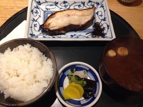 blog_import_54115f1c46a0c 恵比寿 食彩かどたの銀がれいの味噌漬け定食