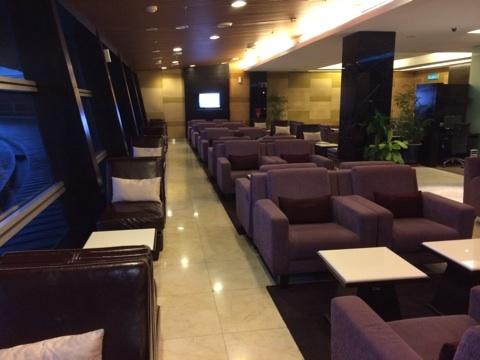 blog_import_54116083459d7 クアラルンプール空港のタイ航空ラウンジ