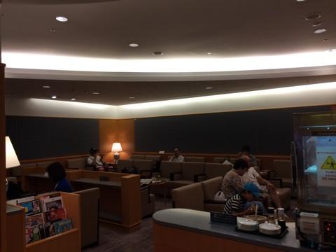 blog_import_54116f9a58bf5 福岡空港国際線ターミナルのサクララウンジ