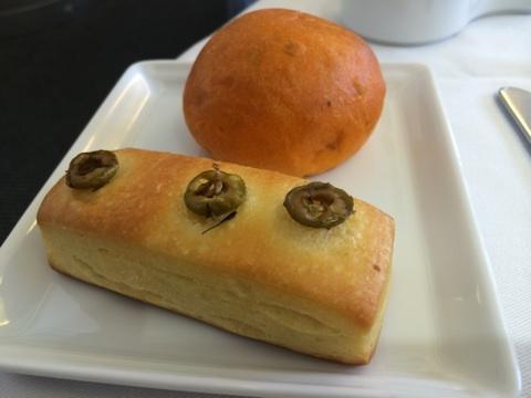 blog_import_5411716988247 8月31日ANA205便 成田発パリ行きファーストクラスの機内食2