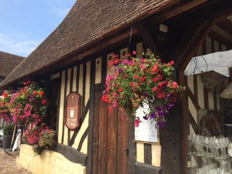 blog_import_546c1d2e7c59a きれいな街並み ブーヴロン村