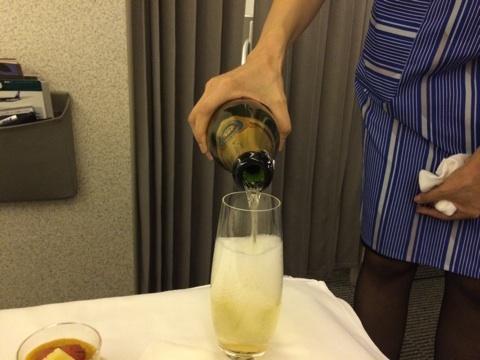 blog_import_546c1e02ab5da 9月6日ANA216便パリ発羽田行きビジネスクラスその1
