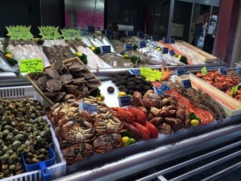 blog_import_546c1e3b4cede トゥルーヴィル・シュール・メールの魚屋さん